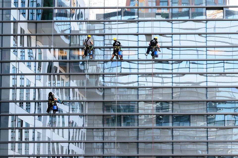 Cleaning of external and internal glass facades